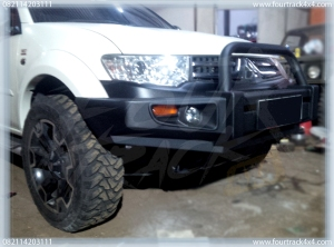 pajero triton bumper depan 30031602